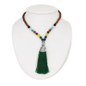 Collier de graines de Rudraksha et pierres naturelles avec pompon